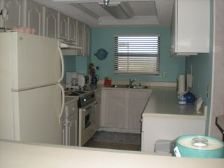 Navarre Beach condo photo - Kitchen