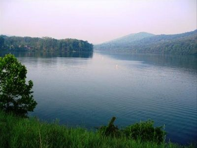 Peaceful, Beautiful Vacation Getaway at Lake Raystown, Pets Ok