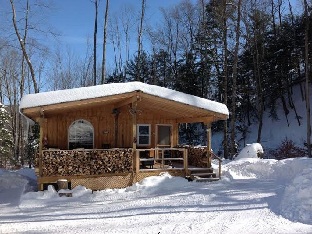 Cabin creek getaway letchworth 100 acre vrbo for Cabins near letchworth state park