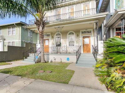 Mid-City Gem With Easy Access to Streetcars, 10 minute drive to French Quarter