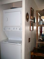 Kailua Kona condo photo - Washer Dryer in the unit, convenience.