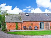 PEAR TREE COTTAGE, pet friendly in Ellesmere, Ref 23293