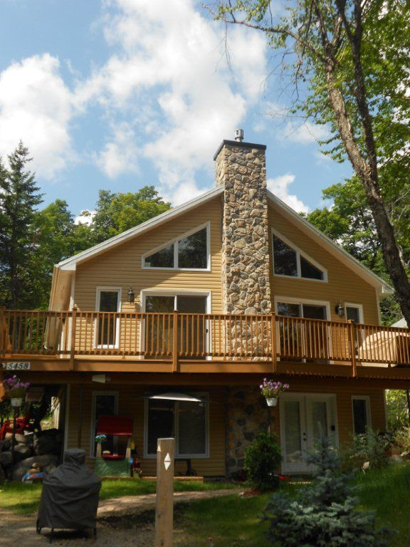 La Belle Maison - relax near the lake in comfort - 40 minutes from Quebec City