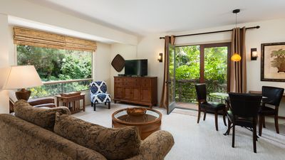 900 sq ft Suite with 5 rooms & tropical garden views