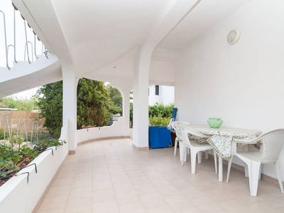 Large apartment sleeps 4 (veranda and garden) 100 meters from the bea