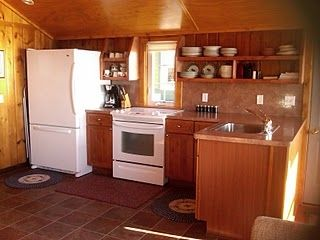 Very clean, the cabin has a fully equipped kitchen.