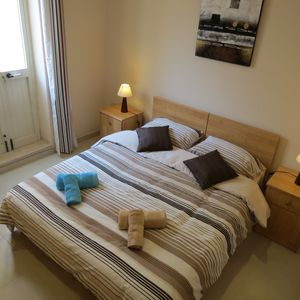 Sliema apartment rental - Flat Fifty eight Main bed room