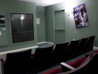 19-Seat Theater Room