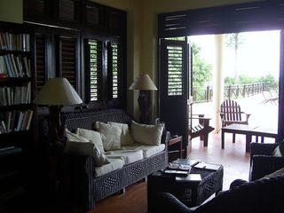 Samana villa photo - Bookcase