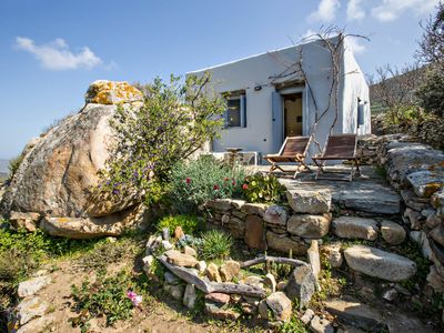 ROCK COTTAGE - AGROTOURISM IN TINOS