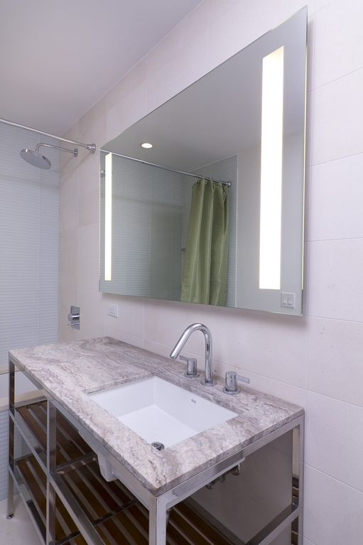 8260C - 1 Bed - Sleeps 6 - Bathroom