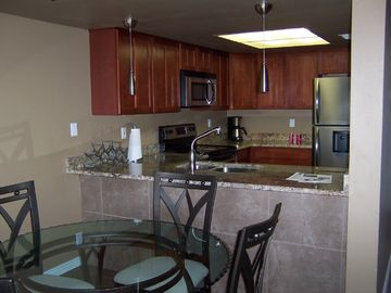 Old Town Scottsdale condo rental - New Kitchen