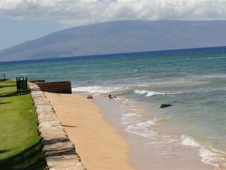 Kaanapali condo photo - Looking up the beach toward the island of Lanai