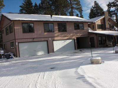 Right by the beach and many trails! Close to casinos and Heavenly Village!