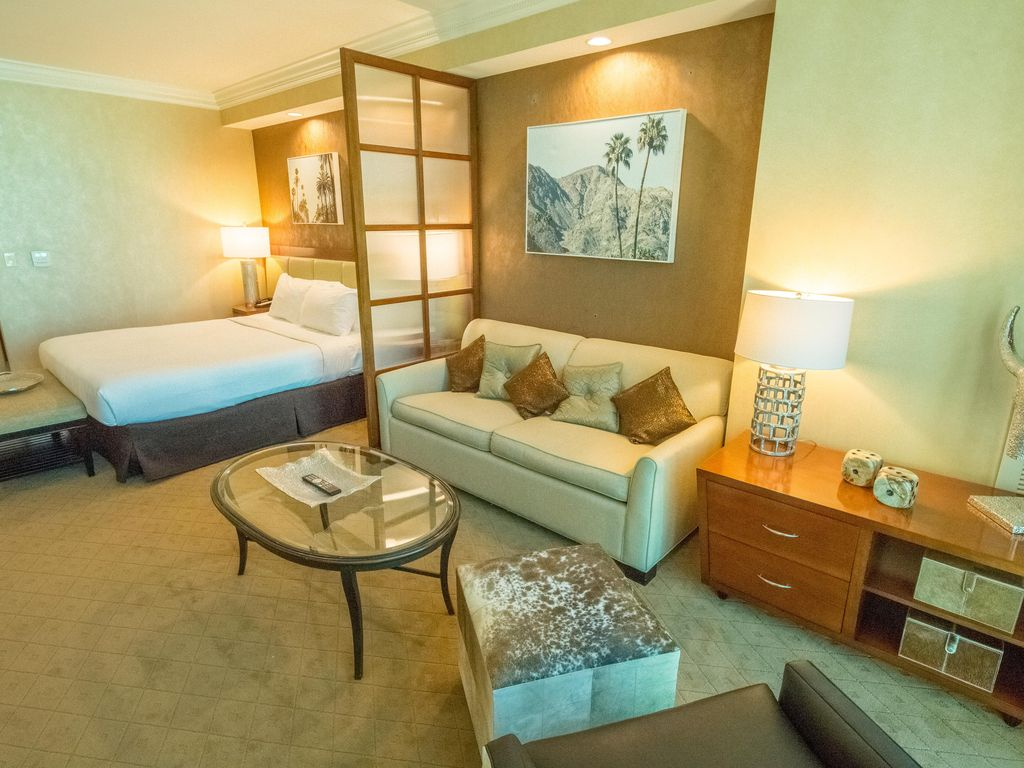 Mgm Signature One Bedroom Suite Stripview Mgm Signature Luxury Suite Save On Resort Fees Las
