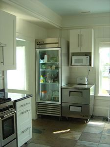 Commercial fridge and freezer drawers