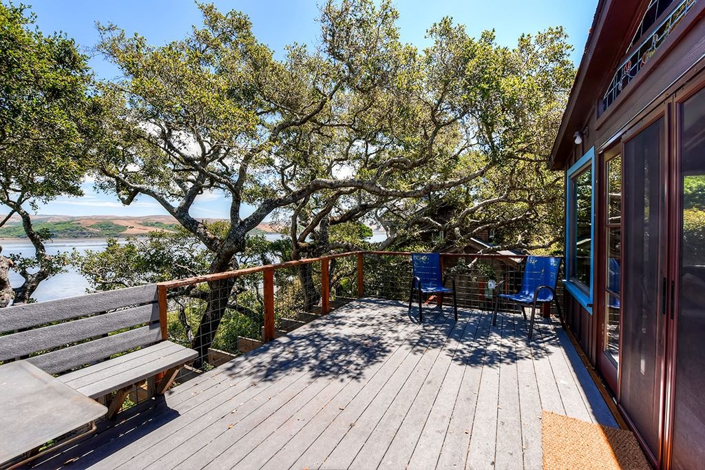Rustically Charming 2BR Inverness House w/Wifi, Multiple Decks & Beautiful Views of Tomales Bay - Minutes from Local Beaches, Water Sports & Outdoor Recreation!