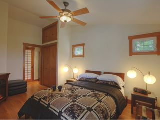 Hilo bungalow photo - Enjoy romantic evenings with a cozy fireplace, flat screen HDTV in your bedroom