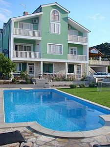 Accommodation near the beach, 60 square meters, Peracko Blato