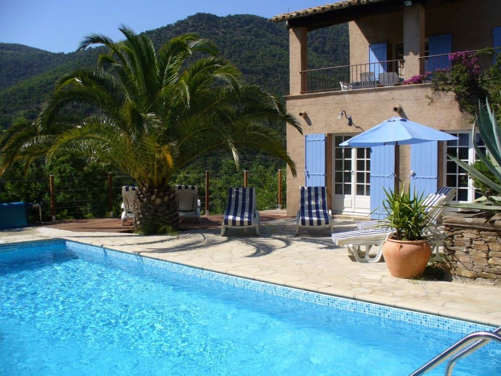 Air-conditioned accommodation, 100 square meters , Le Rayol, France