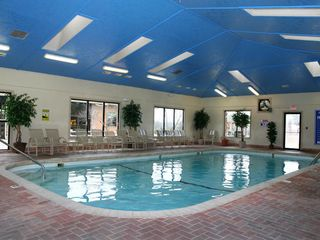 Branson cabin photo - Heated indoor swimming pool year round.