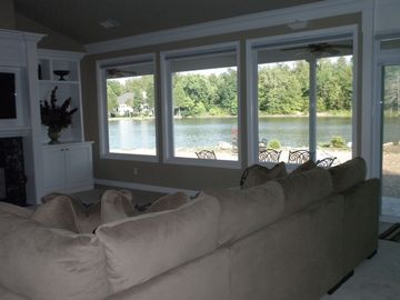 Come Here and Relax!! You can View Lake, TV and Birds while Laying on all Sofas!
