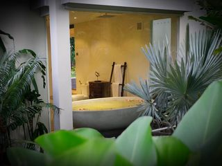 Nai Harn beach villa photo - Balinese style Bath tub