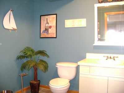 1st level powder room