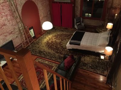 Historic Seattle Studio With Old- City Idustrial Feel