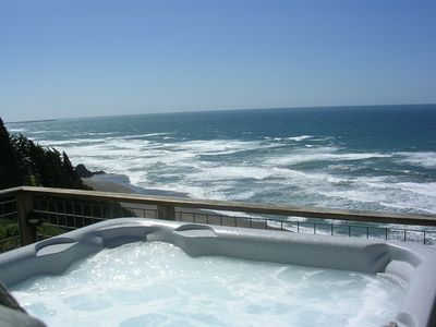 Hot Tub overlooking the Crashing Surf