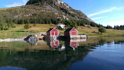 Idyllic cottage in beautiful Berle. Fishing, boating, swimming, hiking, bryggeliv.