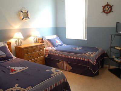Nautical Themed Room - 2 Twin Beds