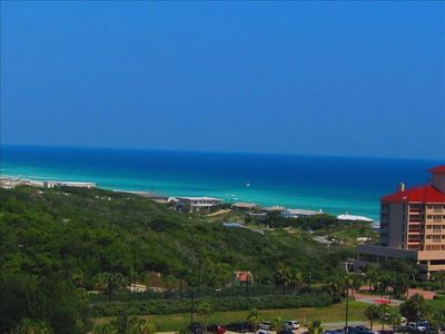 This 11th Flr Corner Unit offers panoramic views of the gulf coast line and ....