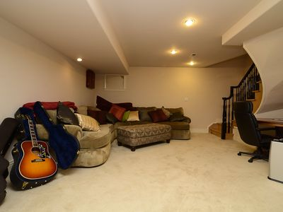 Giant Suite in basement with FULL BATH for bedroom w/ Tenant supplied bed.