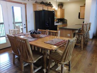 Branson cabin photo - Open Kitchen with Eat in Bar, Full Size Appliances, Fully Stocked for Cooking