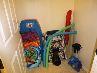 Waikoloa Beach Resort condo photo - Boogie boards, backpack beach chairs, pool noodles, sand toys/mats, umbrellas