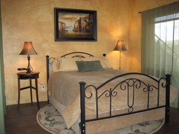 Apache Junction cottage rental - Queen size bed