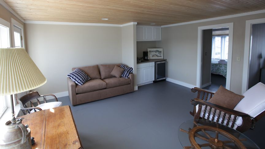Boothbay Harbor house rental - Family Room with wet bar, hide-a-bed and harbor view