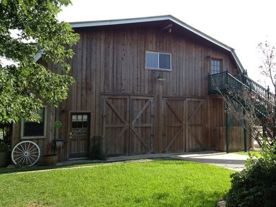 Barn Apartment-Sleeps 8