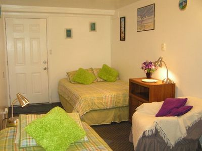 Back bedroom double bed & twin bed