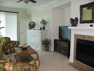 Living Area with Fireplace, Flat Screen TV & Murphy Bed