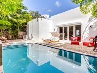 Contemporary 3-Bedroom Home w/ Waterfall Pool & Hot Tub, 5 mins to Wynwood 10 mins to Beach