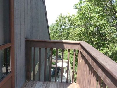 Tannersville condo rental - deck off loft area bedroom