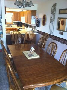 Family Dining for 10-12; Add'l seating at Bistro Table;14 place setting