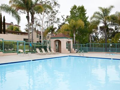 La Jolla condo rental - FULL SIZE SWIMMING POOL AND JACUZZI