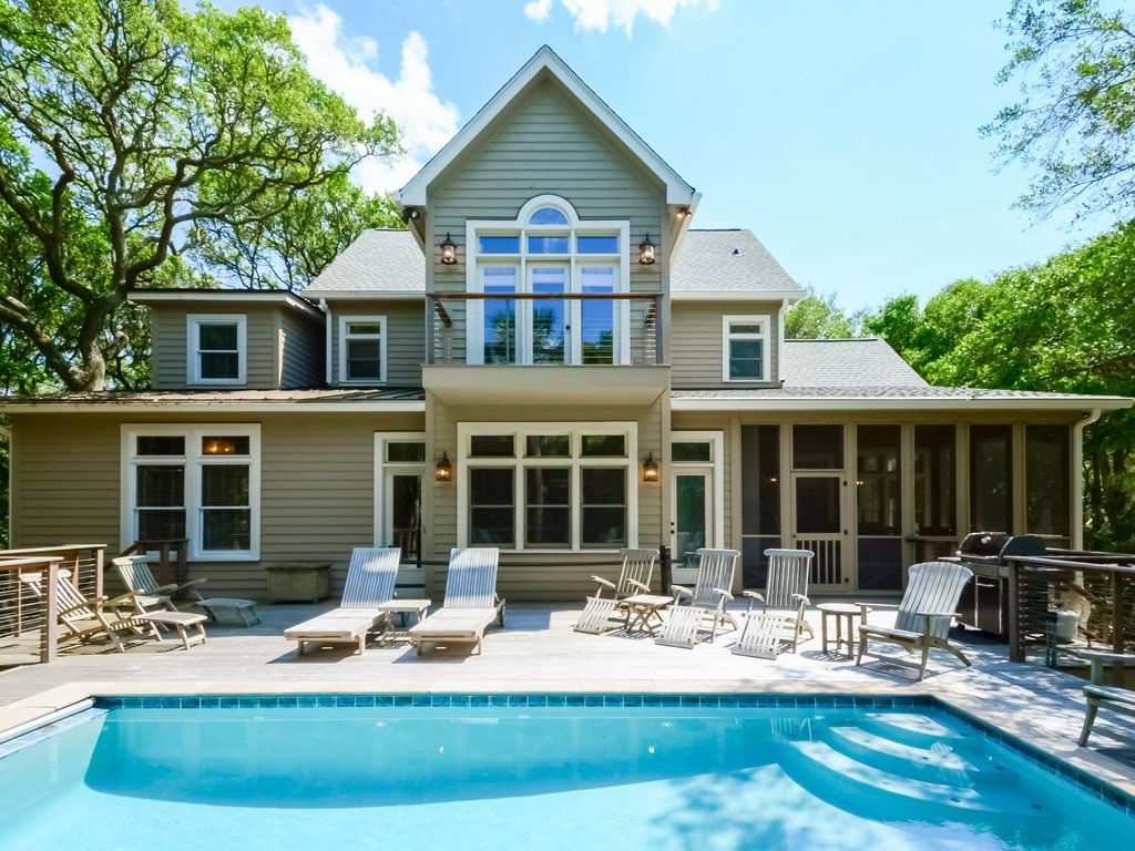 Beautiful 6 bedroom home with private homeaway kiawah for 9 bedroom beach house rental