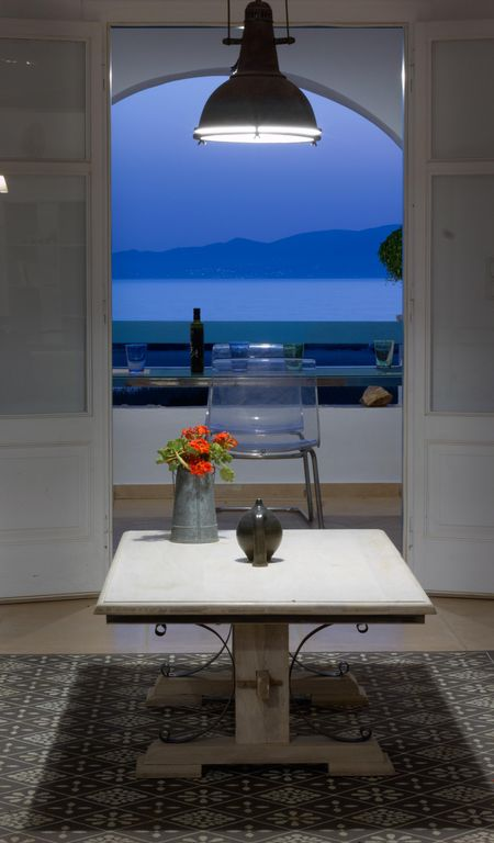 Breathtaking sunset, salt lake and Aegean sea view. 150m from magnificent beach.