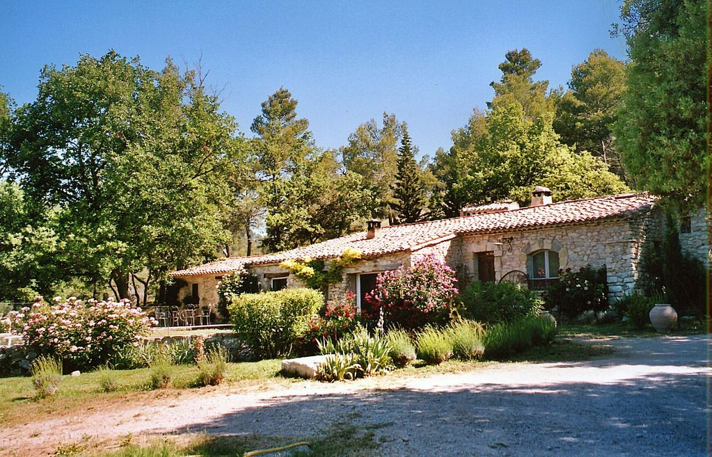 Peaceful house, close to the beach , La Bastide-des-jourdans