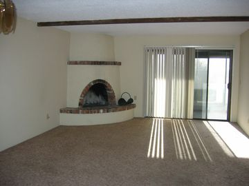 Oro Valley townhome rental - Living Room