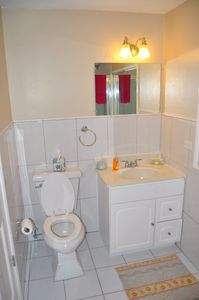 Bathroom for 2nd bedroom. 2nd unit available for $130 pn. Does not have kitchen